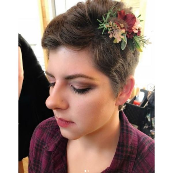Short Pixie With Flower Accessory Wedding Hairstyle