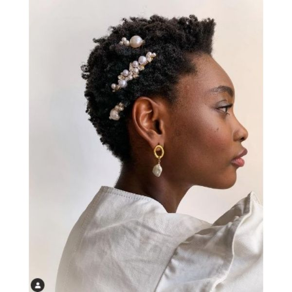 Simple Short Kinky Curly Haircut With Pearl Hair Sliders