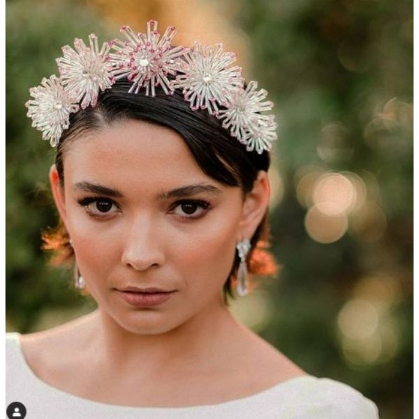 Simple Short Wedding Hairstyle With Stunning Headpiece