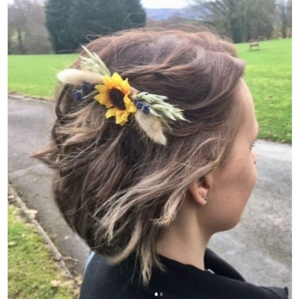 Wedding Hairstyle For Short Blonde Hair With Flower