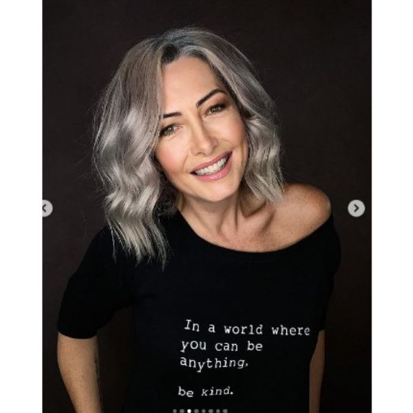 Silver Gray Medium Hairstyle With Light Waves
