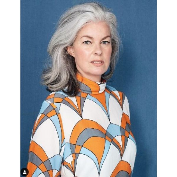 Silver Gray Medium Long Wavy Hairstyle For Older Women