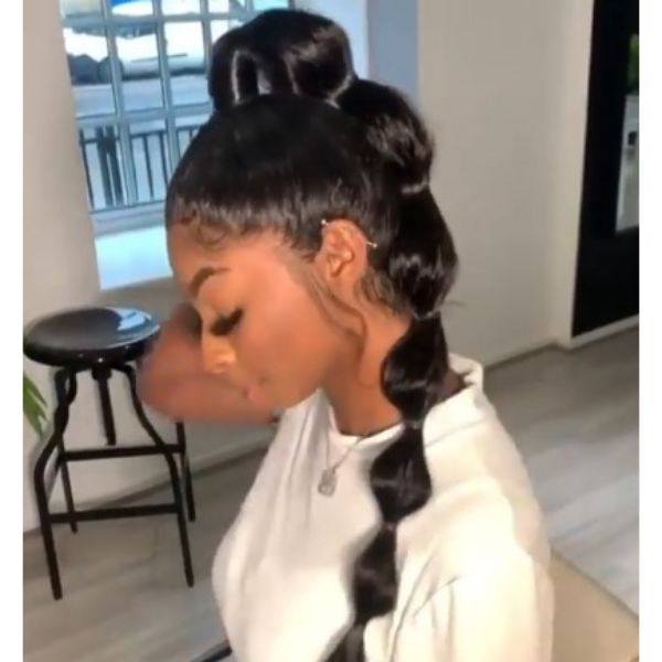 Sleek Bubble Ponytail Hairstyle For Black Hair