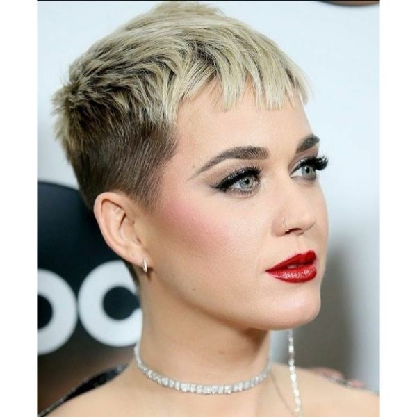 Katie Perry's Faded Pixie With Short Chopped Bangs