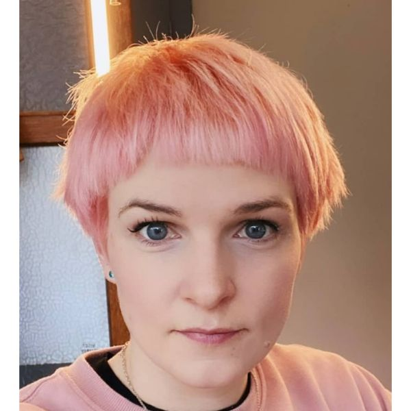 Peach Pink Bowl-cut With Textured Top cute hairstyles for short hair