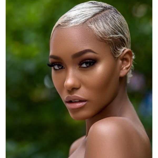 Short Sleek Wavy Bob With Side Part cute hairstyles for short hair